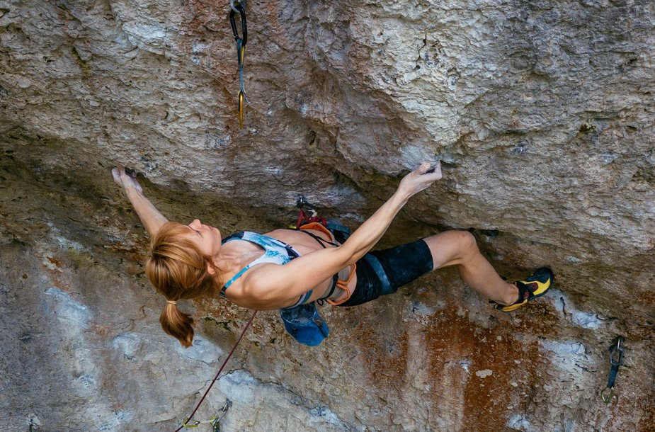 Gabriela Vrablikova reaches the 9tagoing up Sever The Wicked Hand